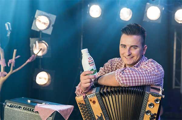Andreas Gabalier bringt Buttermilch in deutsche Wohnzimmer