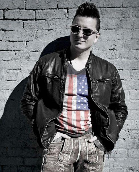Ersteigere ein Treffen mit Volks-Rock'n'Roller Andreas Gabalier