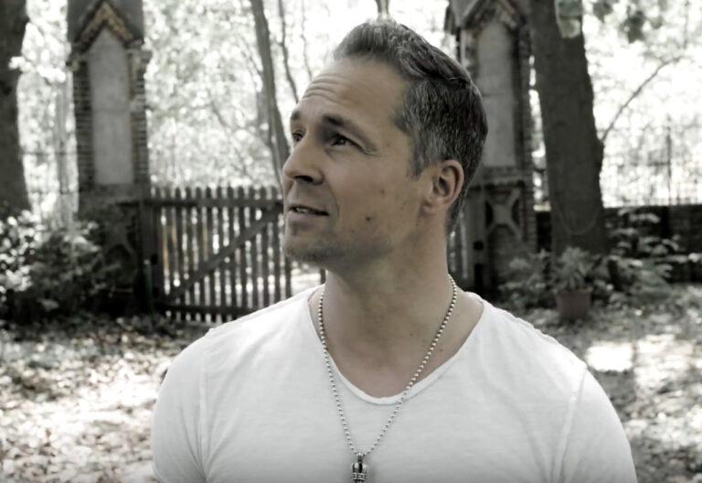 """Videopremiere – Mitch Keller ist """"Zuhause"""""""