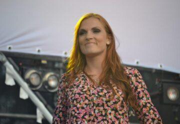 """Anni Perka – Die neue Single """"LIEBE lebt ewig"""""""