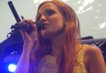 Erstes Live-Video von Anni Perka