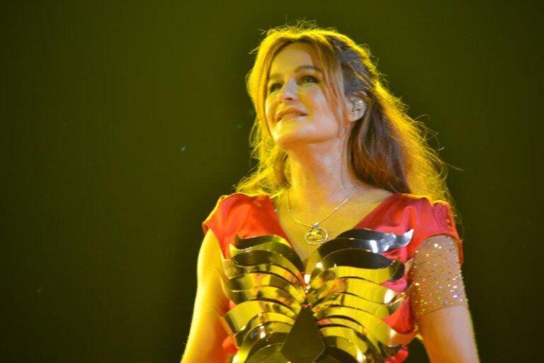 Beim Auftritt im Sonnenhof: Andrea Berg gibt alles!