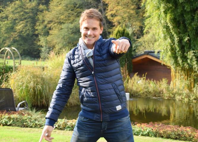 """Sebastian von Mletzko landet mit """"SAG LAURA"""" in den Charts"""