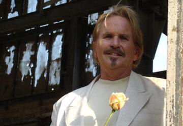 Frank Zander lädt 3000 Obdachlose zum Weihnachtessen ein!