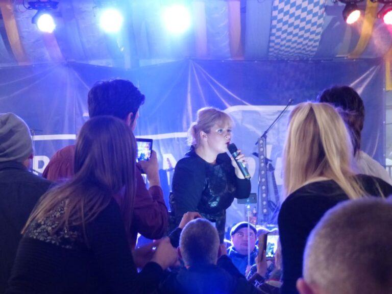 Maite Kelly und Ross Antony auf dem Frühlingsfest in Nürnberg