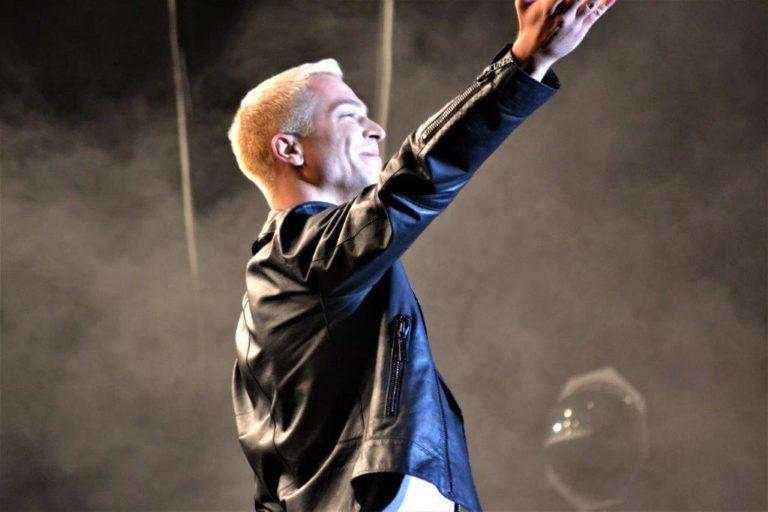 Julian David präsentiert neue Single im ZDF-Fernsehgarten