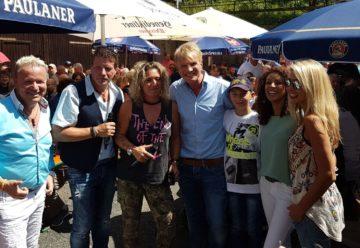Schlager-Stars heizen Biergarten in Bollnbach ein