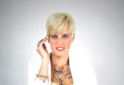 """Neue Single von Julia Bender """"Du und ich (wir greifen die Nacht an)"""""""