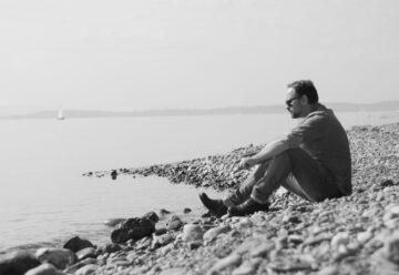 Starkomponist Oli Nova erinnert in neuem Video an seinen Vater