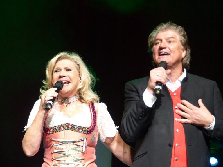 Marianne und Michael: Her mit den süßen Enkelkindern!