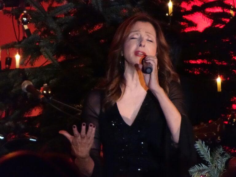 Vicky Leandros feiert Weihnachten in Strackholt