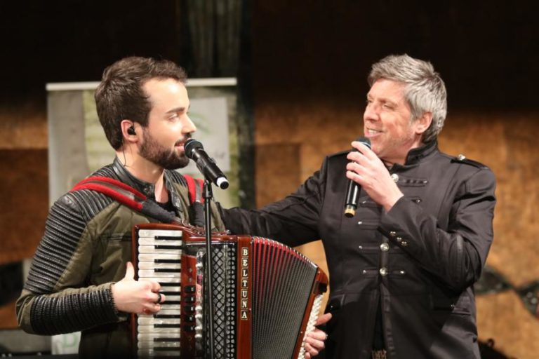 Beim Benefizkonzert mit Jonathan Zelter und Christian Lais in Ludwigshafen