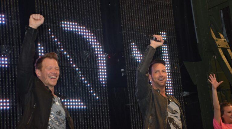 """NEON: Das war die Release-Party zum Album """"2.0""""!"""