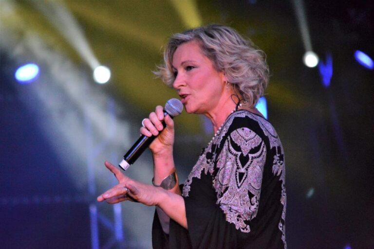 Claudia Jung: Neue Single steht in den Startlöchern