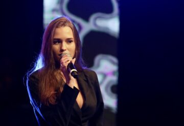 Laura Müller: Nackt!