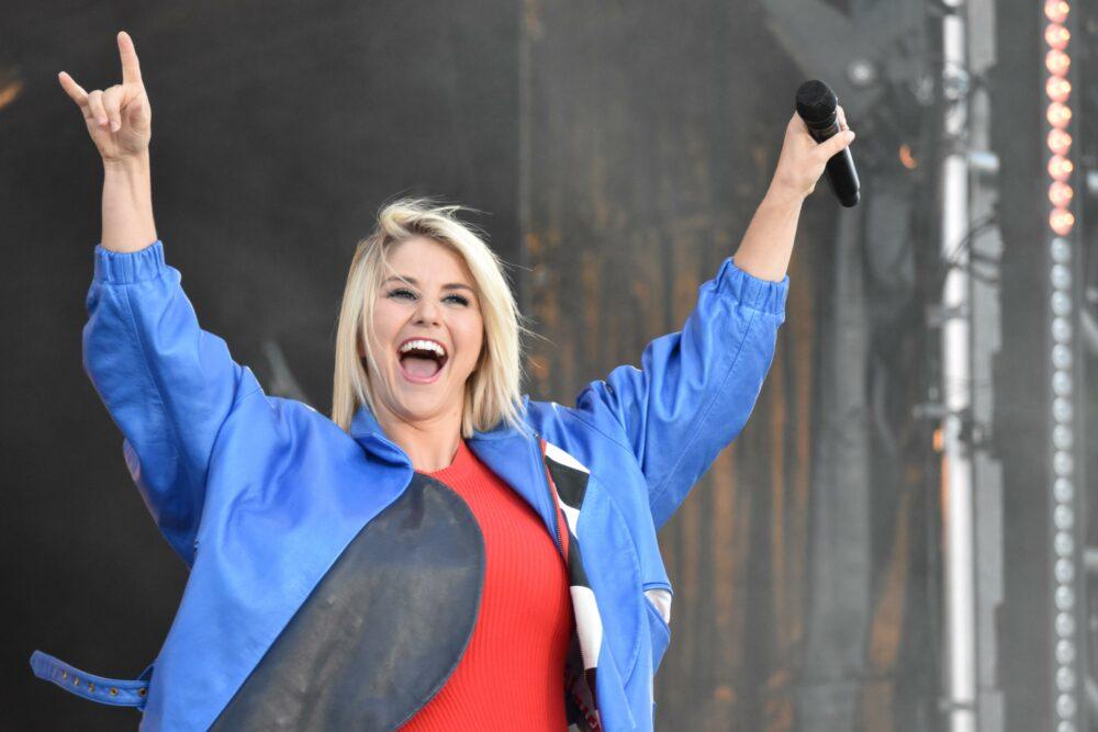 Beatrice Egli Doppelte Uberraschung Zum Wochenende Schlager De