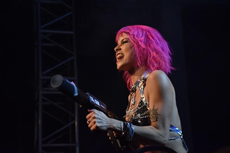 Auftritt mia julia nackt live MiaJulia_OF