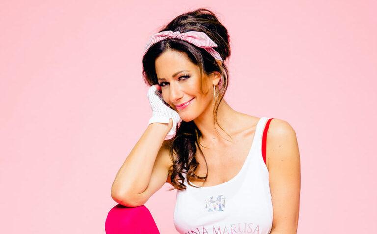 Nina Marlisa: TV-Moderatorin veröffentlicht Sommerschlager