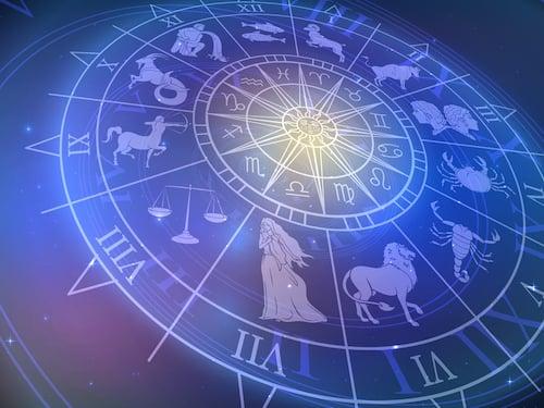 Horoskop heute: Diese 4 Sternzeichen wollen vom Chef nicht geduzt werden