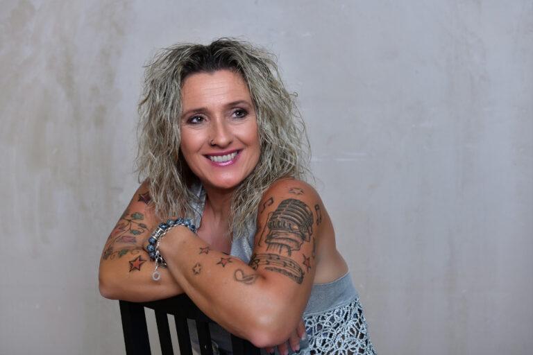 Daniela Alfinito: Schafft sie es wieder an die Spitze der Charts?