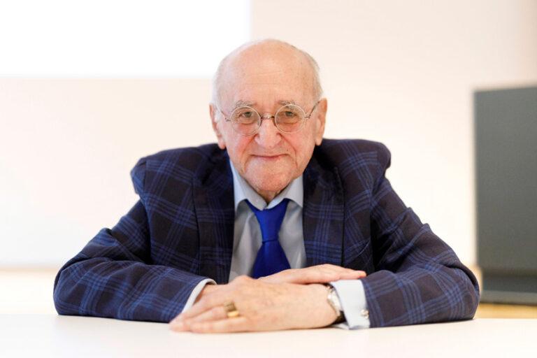 Alfred Biolek tot: Heute Morgen schlief er friedlich ein!