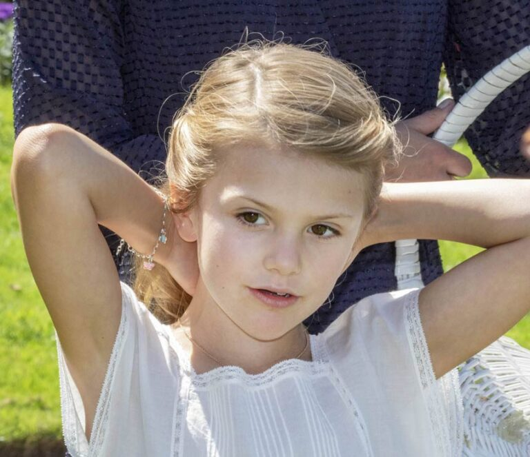 Prinzessin Estelle: Hurra, ein Schwesterchen!