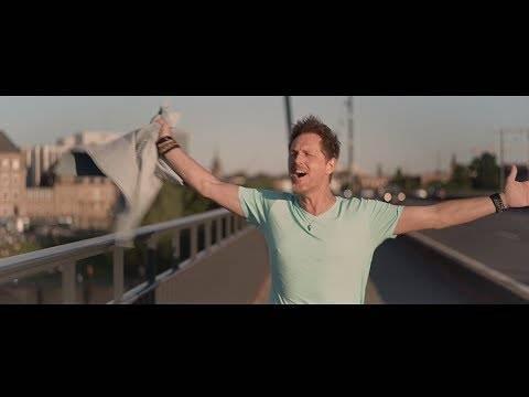 Jörg Bausch – Wir lassen die Welt heut' stillstehen ((Official Music Video)