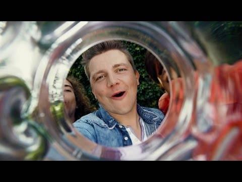 Dorfrocker – Ich glaub mein Glas hat ein Loch (Offizielles Video)