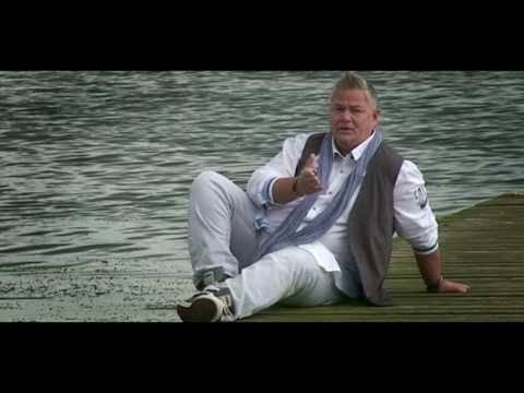 Manuel Dobler-Nun bist du hier-(Offizielle Musikvideo)